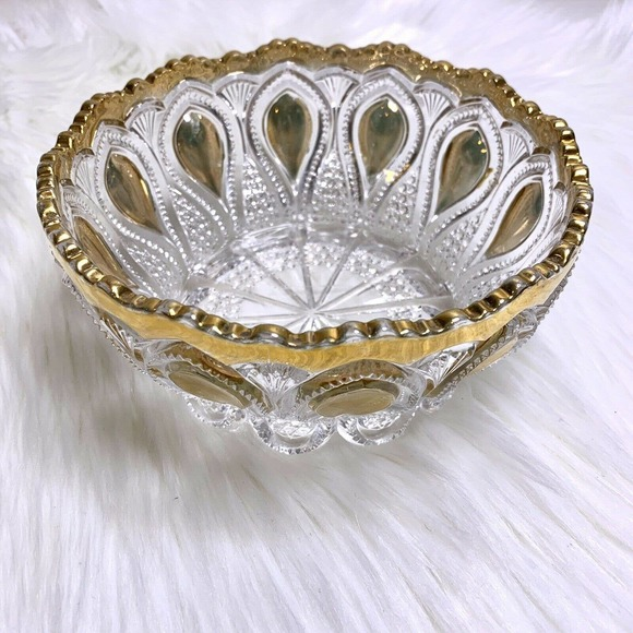 Vintage Art Glass Bowl Embossed Gold Scallop